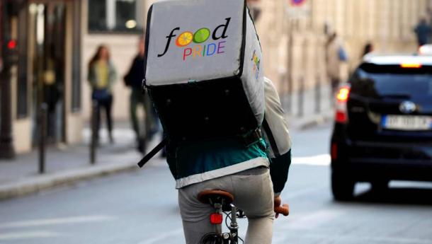 Immagine: A Torino arrivano i FOOD PRIDErs, fattorini in bicicletta contro lo spreco alimentare