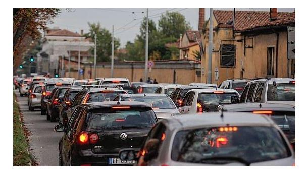 Immagine: Smog, in Emilia Romagna stop ai diesel Euro 4 da martedì 12 febbraio