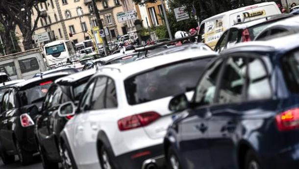 Immagine: Smog, blocco dei diesel in tutta la Pianura Padana: Piemonte, Lombardia, Veneto ed Emilia