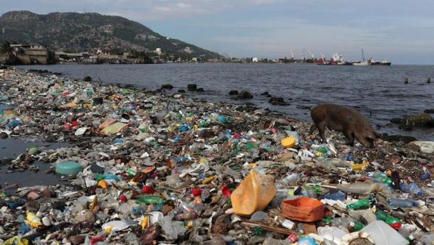Immagine: 'DePlastic, azioni e buone pratiche contro l'abuso di plastica'. La mostra interattiva a Fa' la cosa Giusta 2019