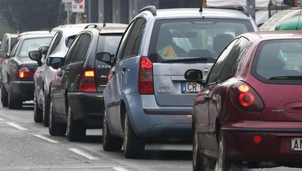 Immagine: Smog, prosegue lo stop ai diesel Euro 4 in Piemonte Lombardia ed Emilia Romagna