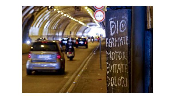 Immagine: Napoli, smog: stop al traffico in tutta la città
