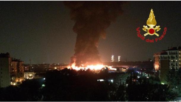 Immagine: Milano, incendio di via Chiasserini: alcune precisazioni della Città   Metropolitana