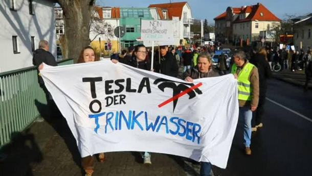 Immagine: Tesla, bloccata in Germania la gigafactory dell'azienda statunitense di auto elettriche