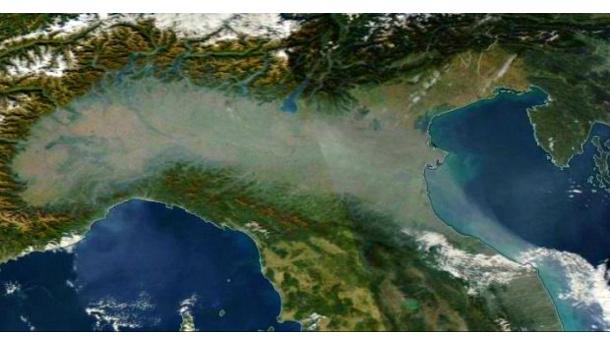 Immagine: Smog, città della Pianura Padana tra le prime in Europa per morti da inquinamento atmosferico