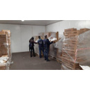 Immagine: Sulle tracce dei sacchetti illegali da Torino a Cinisello Balsamo: maxi sequestro della polizia municipale